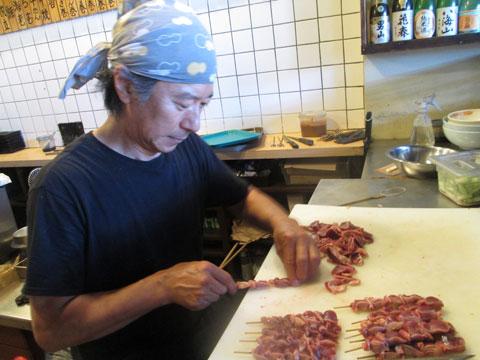 【食】40年の職人技堪能できる 焼鳥店『Koshiji』