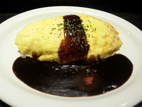 【食】新しい発想の洋食で米市場に斬り込む『Red Rock』