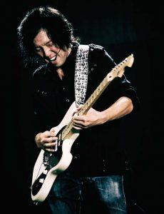 ミュージシャン トシ・ヤナギさん